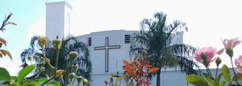 Igreja Matriz - Vista da praça do chafariz