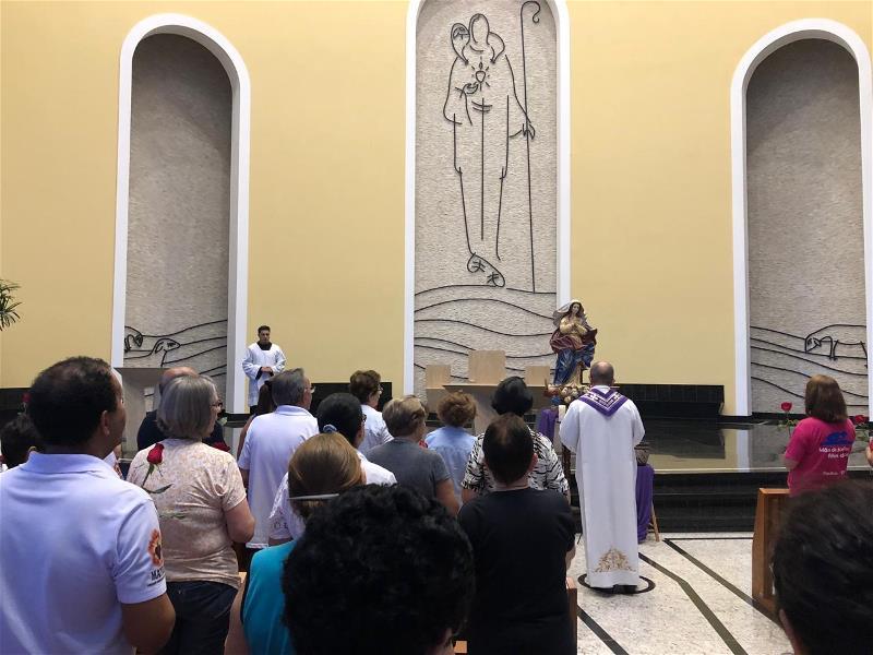<i>Oração Terço Nossa Sra das Dores  (17/04/2019)</i>