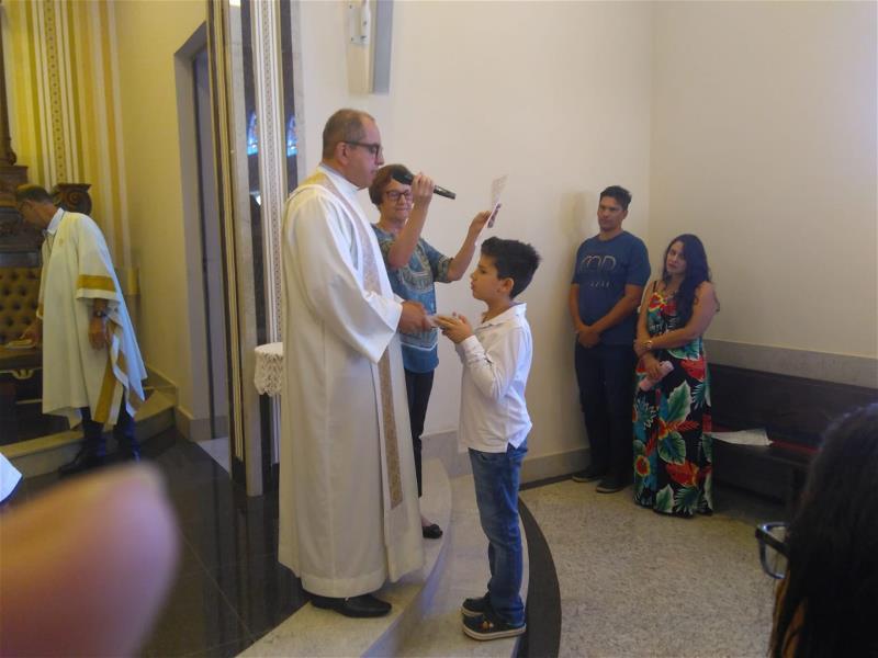 <i>Catequizandos recebem Bíblias  (28/04/2019)</i>