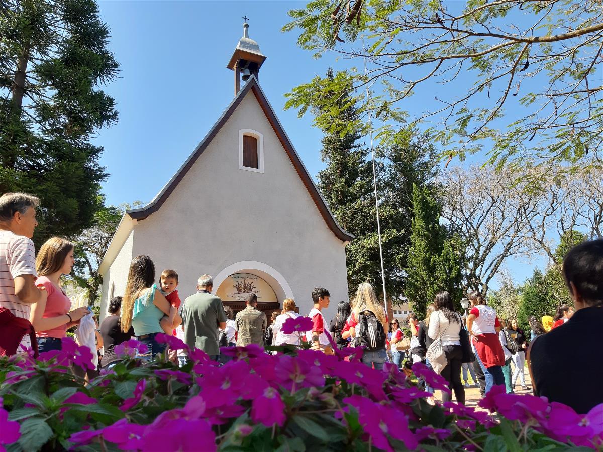 <i>Catequese: Visita ao Santuário da Mãe Rainha  (18/08/2019)</i>