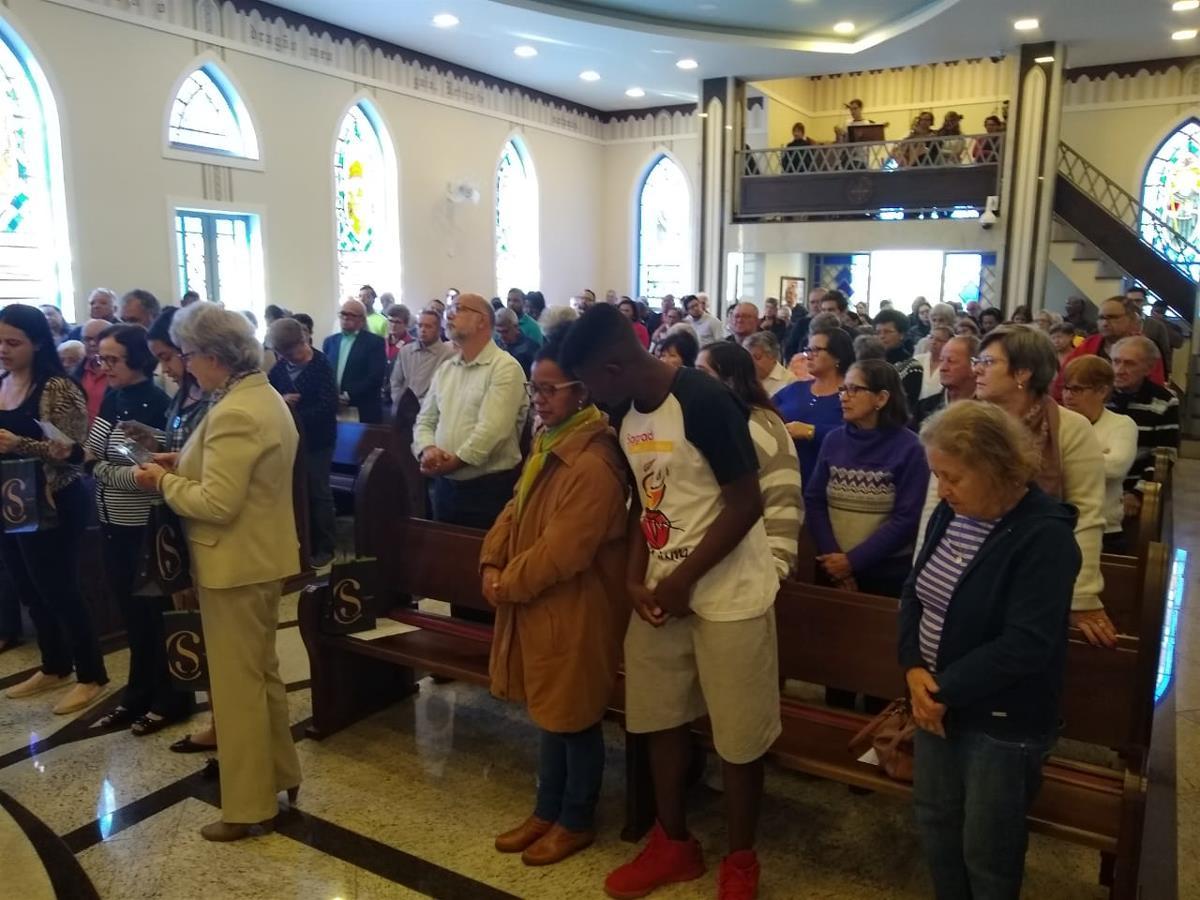 Homenagem aos Catequistas (Com São Bento)